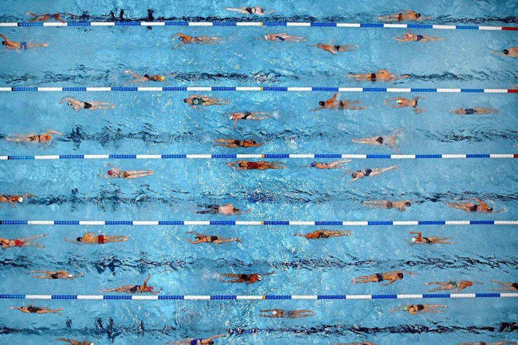 Lane range, swimming etiquette